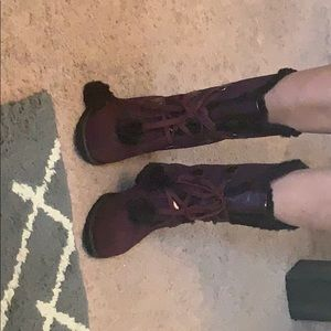 Sporto burgundy and black fur lined boots